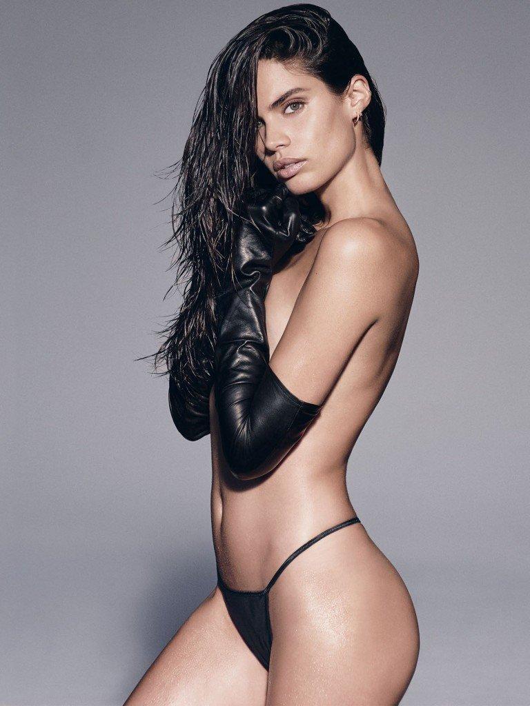 Sara Sampaio Sexy & Topless 1