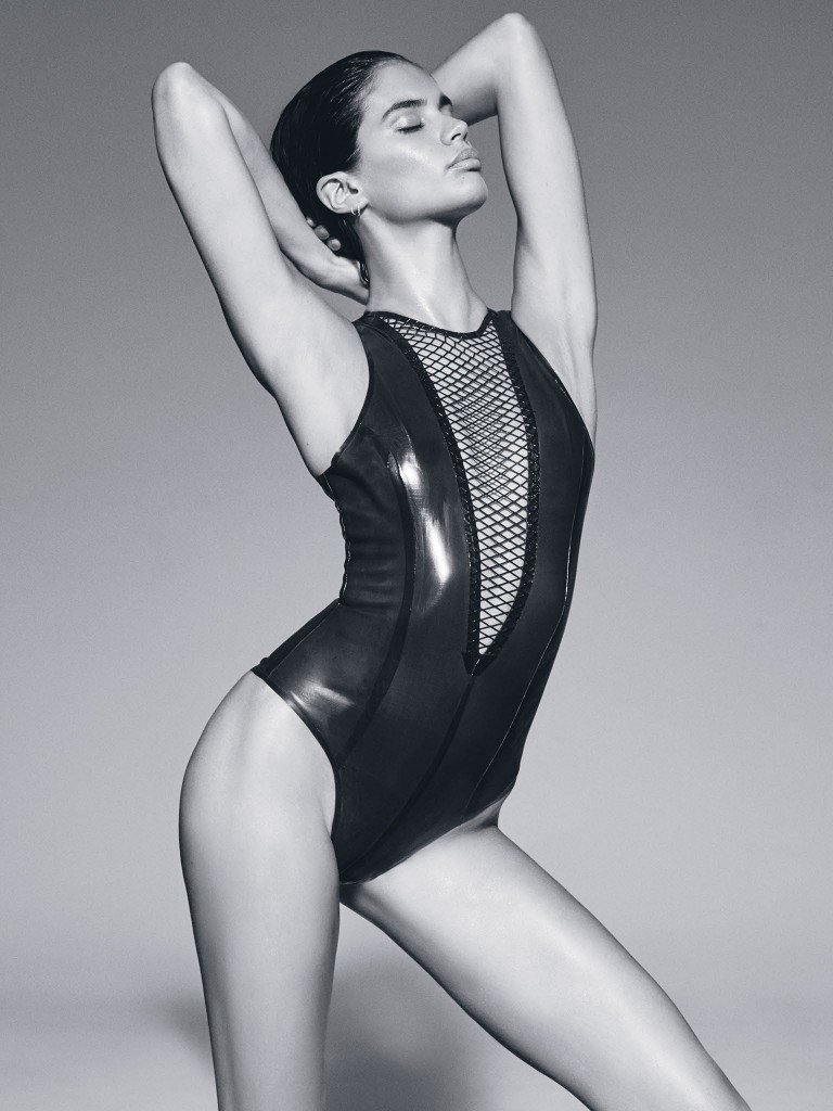 Sara Sampaio Sexy & Topless (9 Photos)