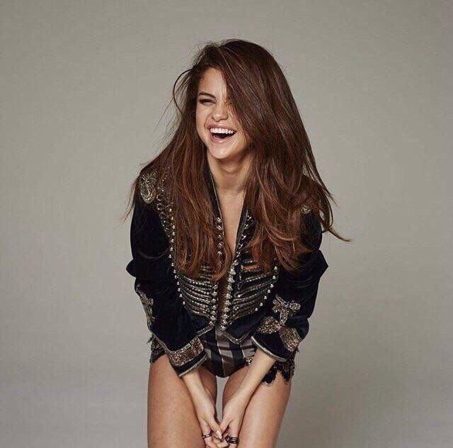 Selena Gomez Sexy 30