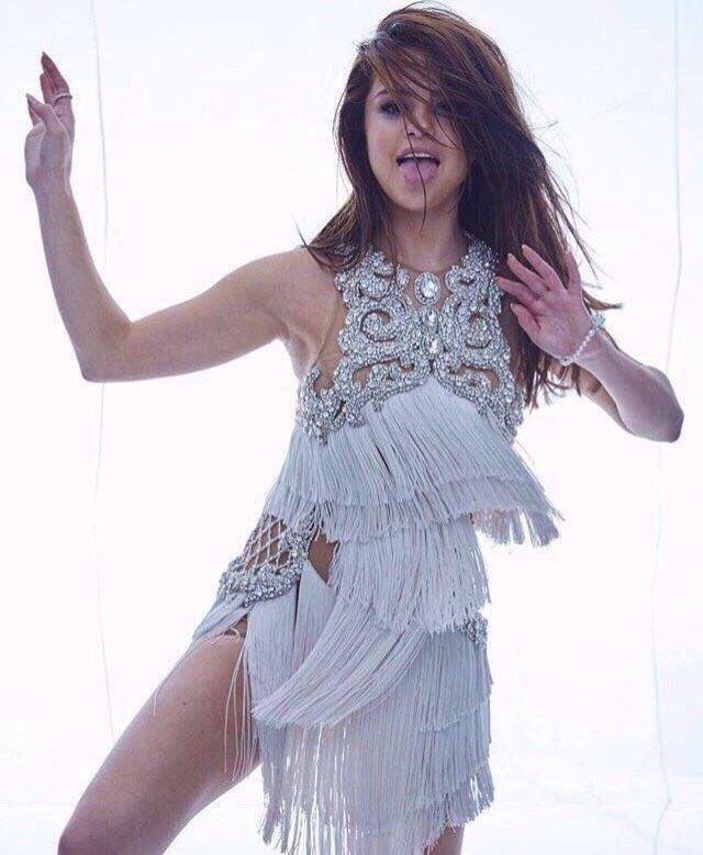 Selena Gomez Sexy 32