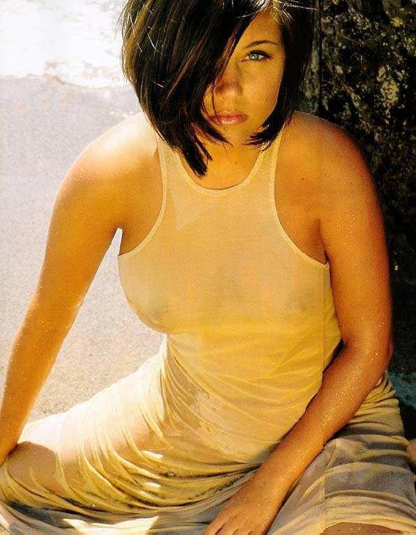 Tiffani-Amber Thiessen Topless Sexy 12