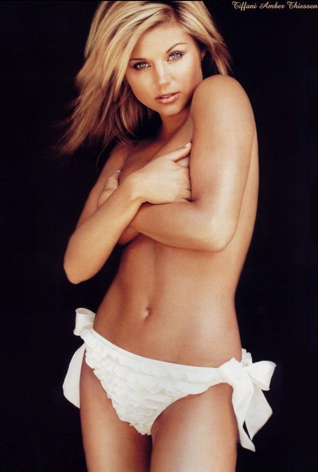 Tiffani-Amber Thiessen Topless Sexy 2