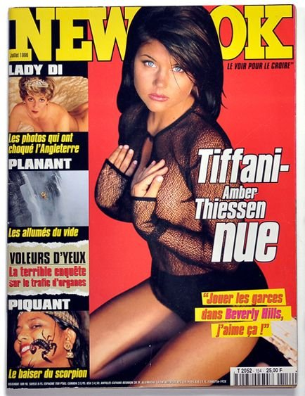 Tiffani-Amber Thiessen Topless Sexy 3
