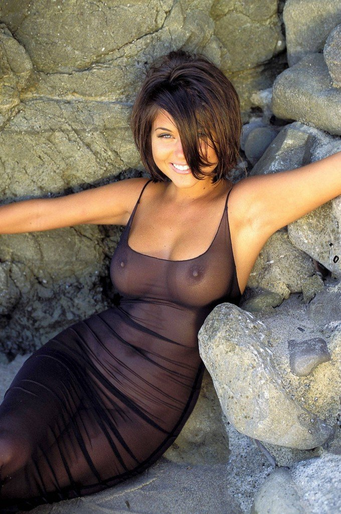 Tiffani-Amber Thiessen Topless Sexy 31