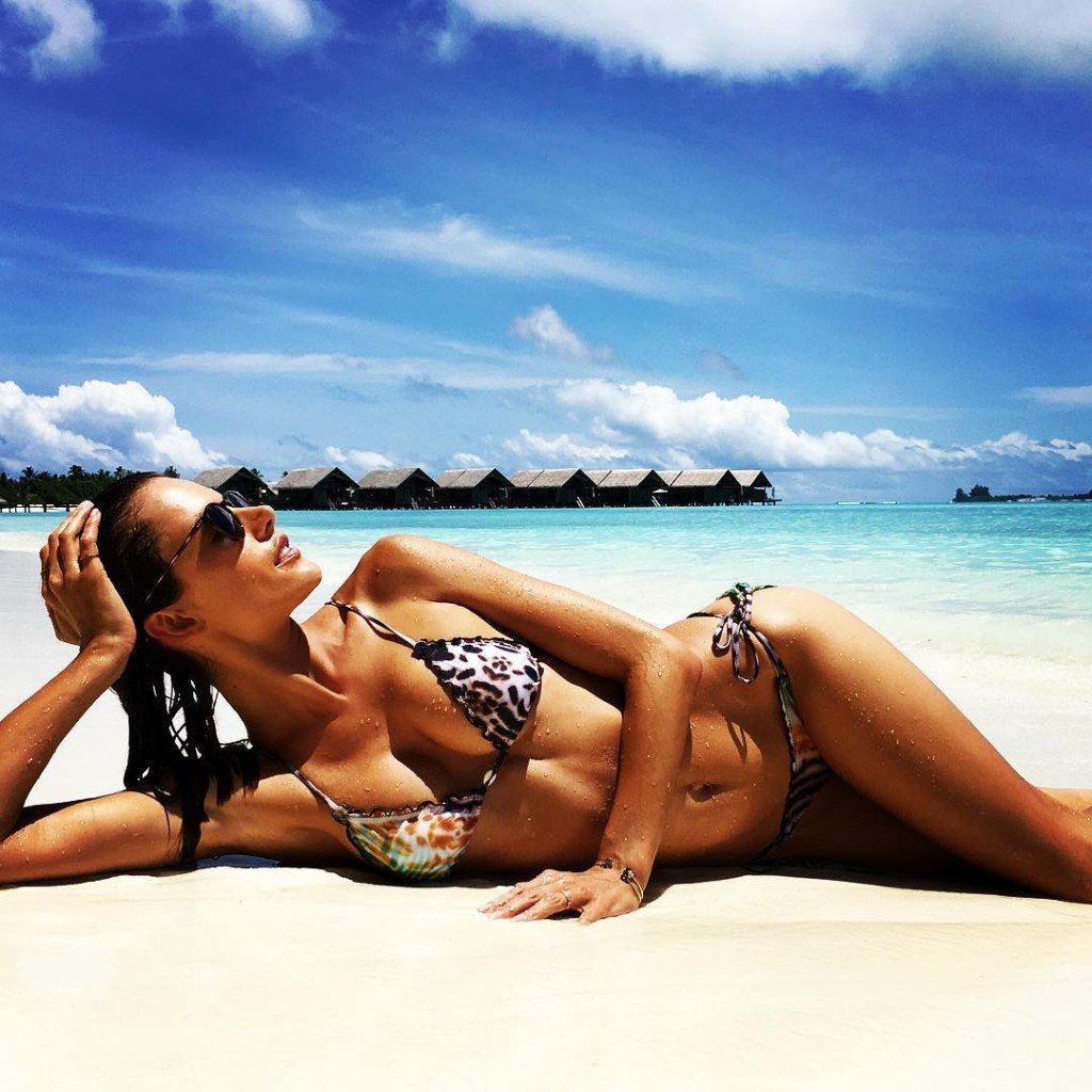Alessandra Ambrosio Sexy 6