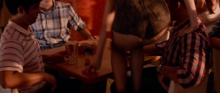 Anna Kendrick Nude & Sexy 7