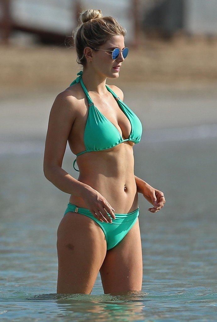 Ashley James Sexy (20 Photos)