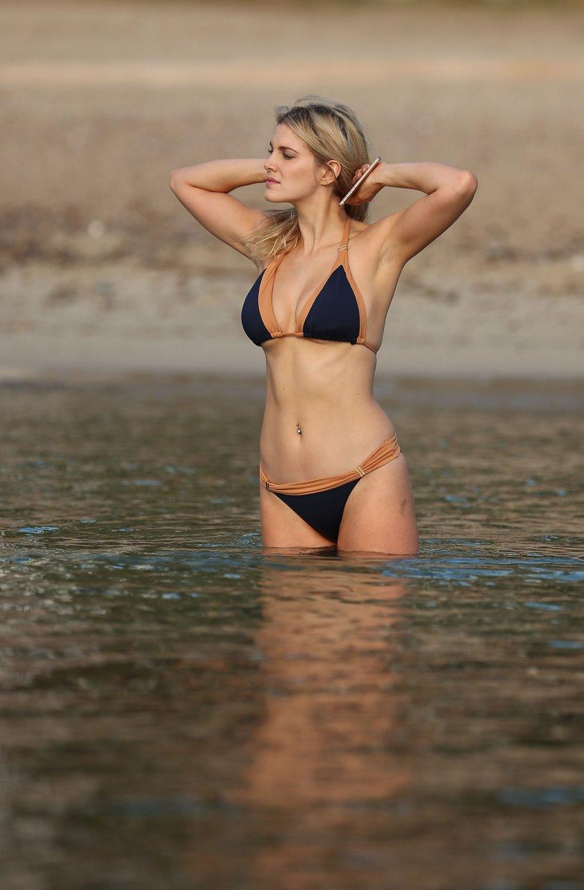 Ashley James Sexy (32 Photos)