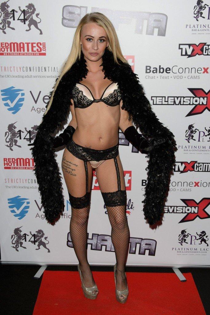 Carmel Anderson Sexy 1