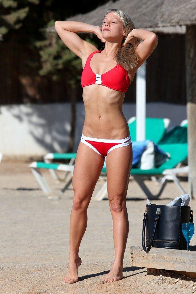 Chloe Madeley Sexy (22 Photos)