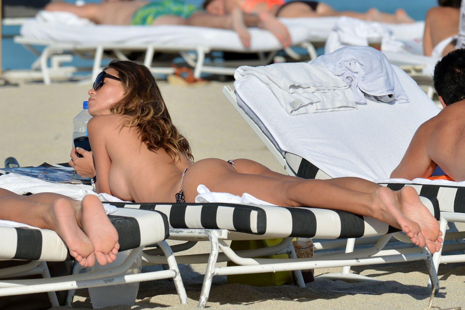 Thai beautiful pregnant women naked