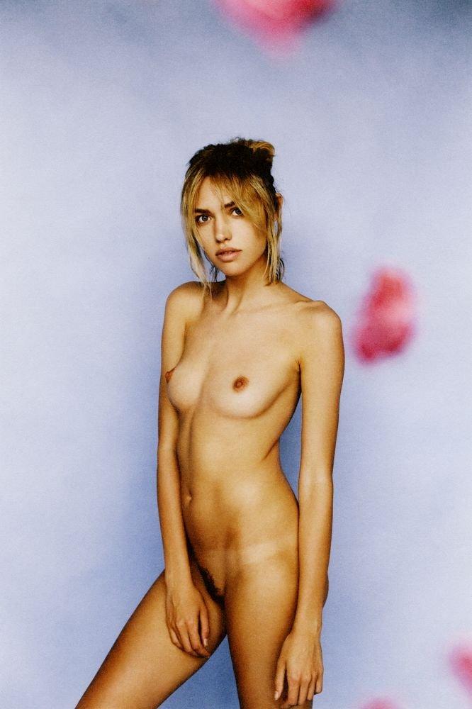 Cora Keegan Nude Sexy 3