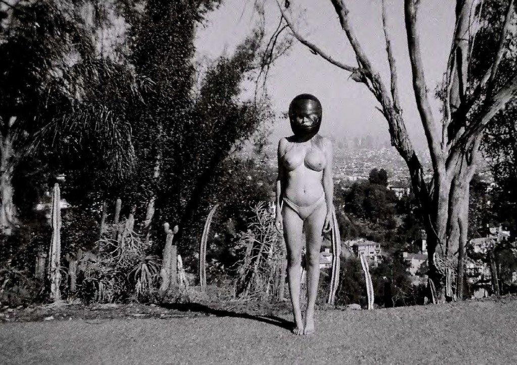 Elle Brittain Sexy Topless-6