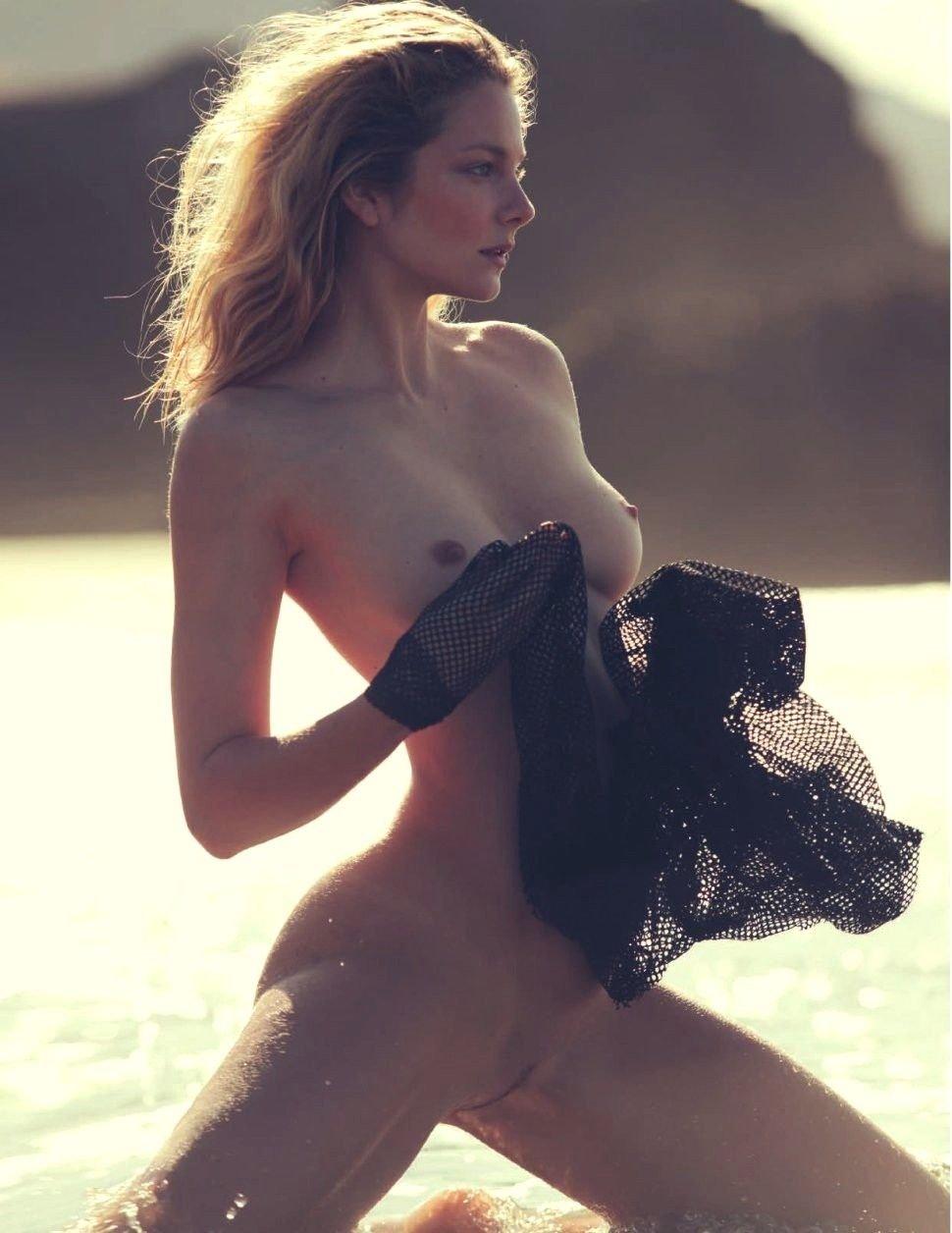 Eniko mihalik topless in vogue france nov 2009 by cedric buchet hq scans new foto