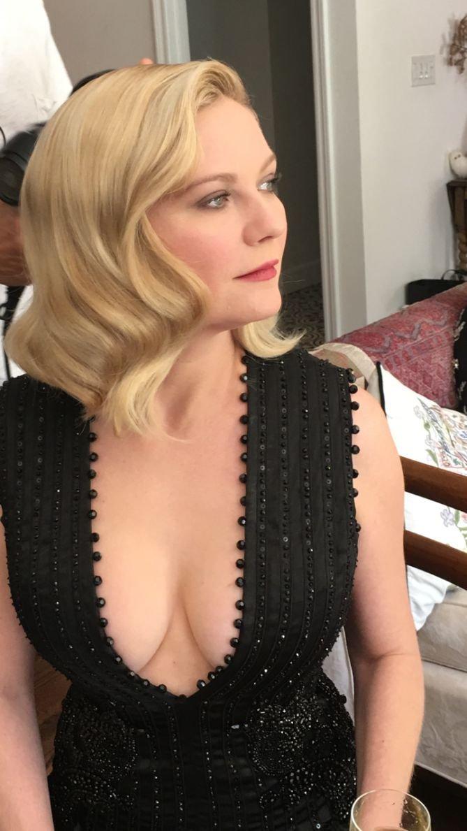 Kirsten dunst nude boobs upskirt new sex pics