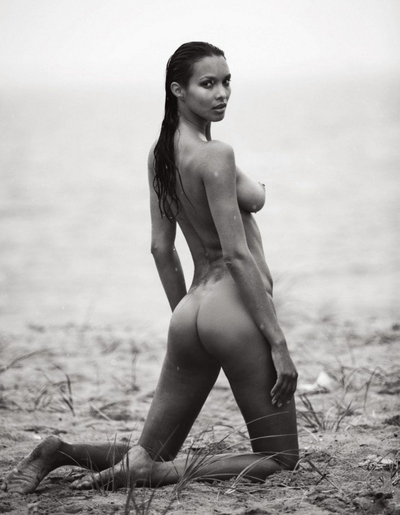 Lais Ribeiro Topless (10 Photos) | #TheFappening