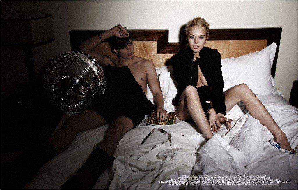 Lindsay Lohan Topless & Sexy 1