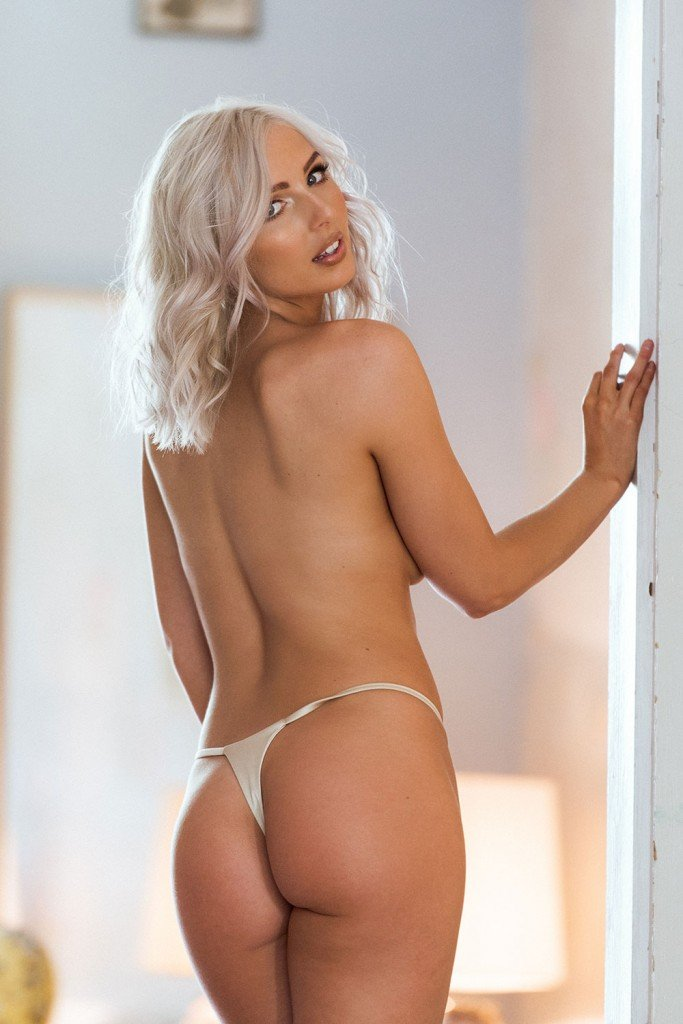 Lissy Cunningham Sexy and Topless (Page 3 – 4 Hot Photos)