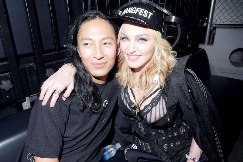 Madonna Nipslip 1