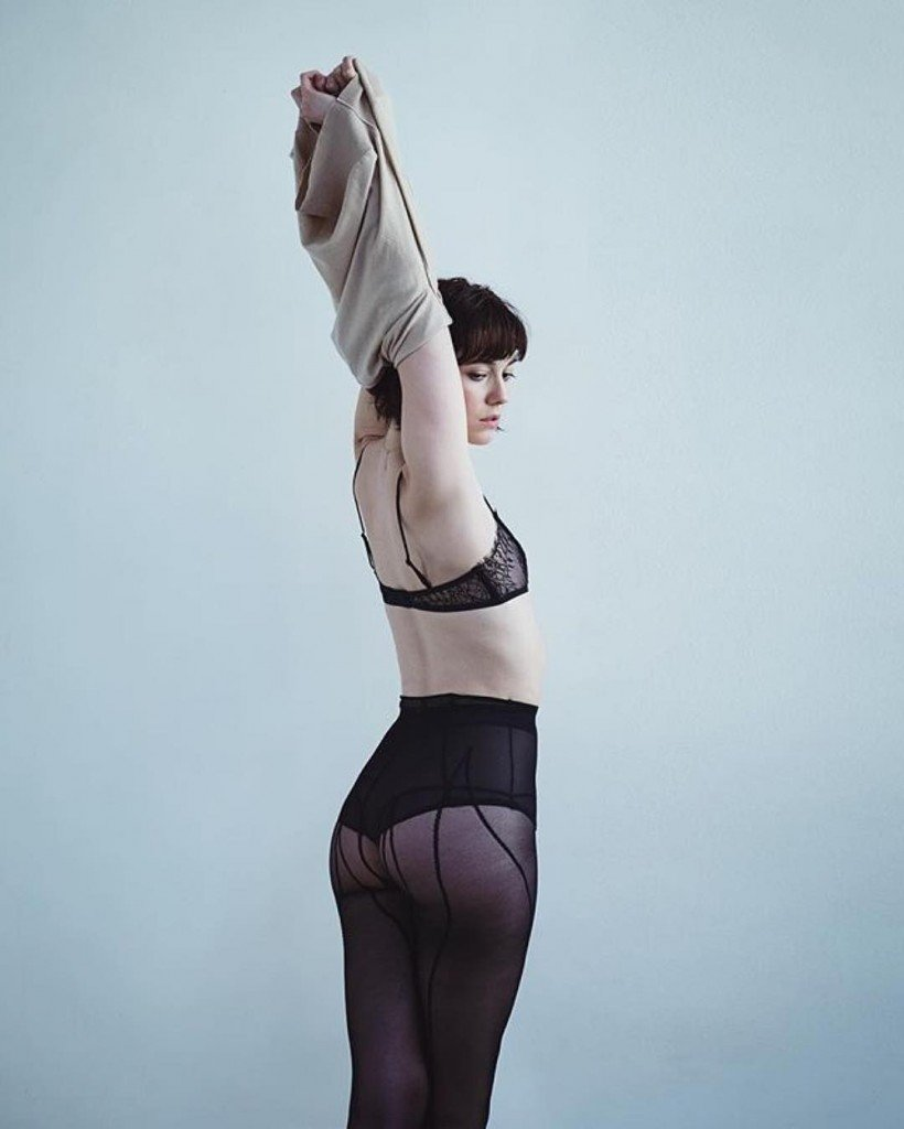 Mary Elizabeth Winstead See Through 1