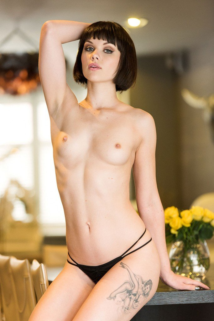 Mellisa Clarke Sexy and Topless1