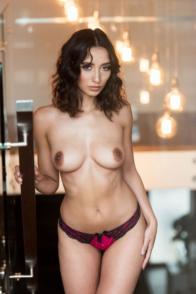 Nicola Paul Sexy and Topless Pics 3