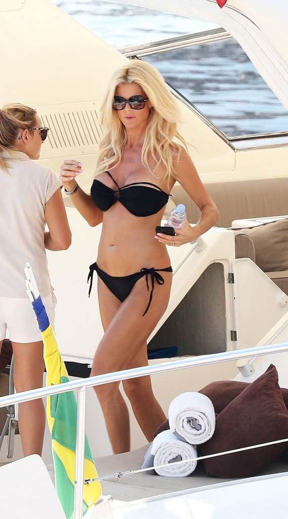 Victoria Silvstedt Sexy (23 Photos)