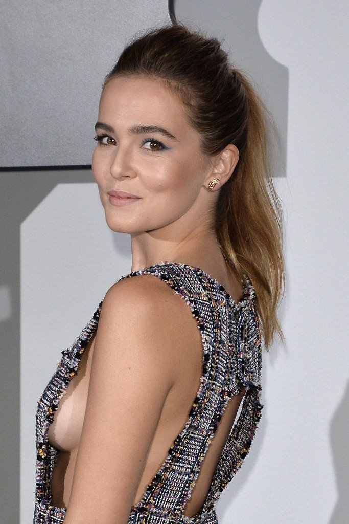 Zoey Deutch Sideboob 1