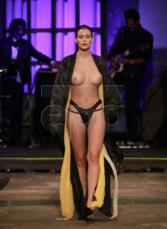 Alejandra Guilmant Topless 3