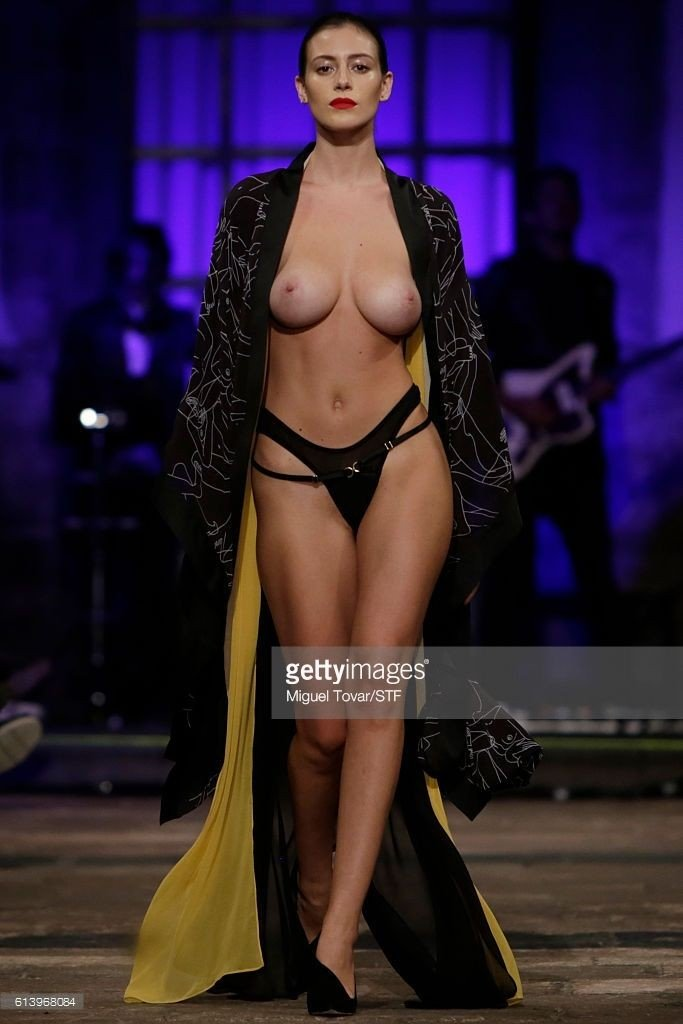 Alejandra Guilmant Topless 4