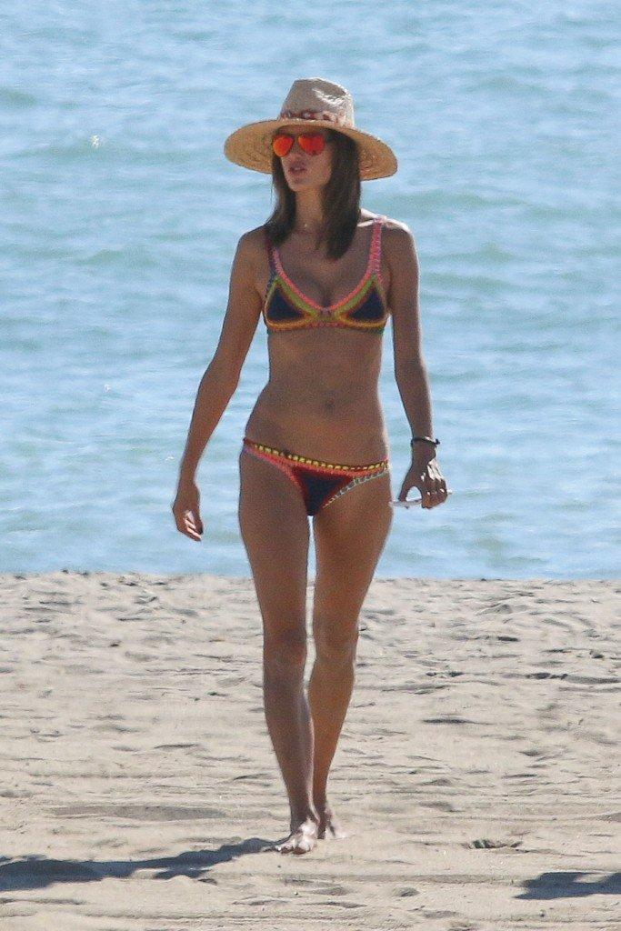 Alessandra Ambrosio Sexy 9