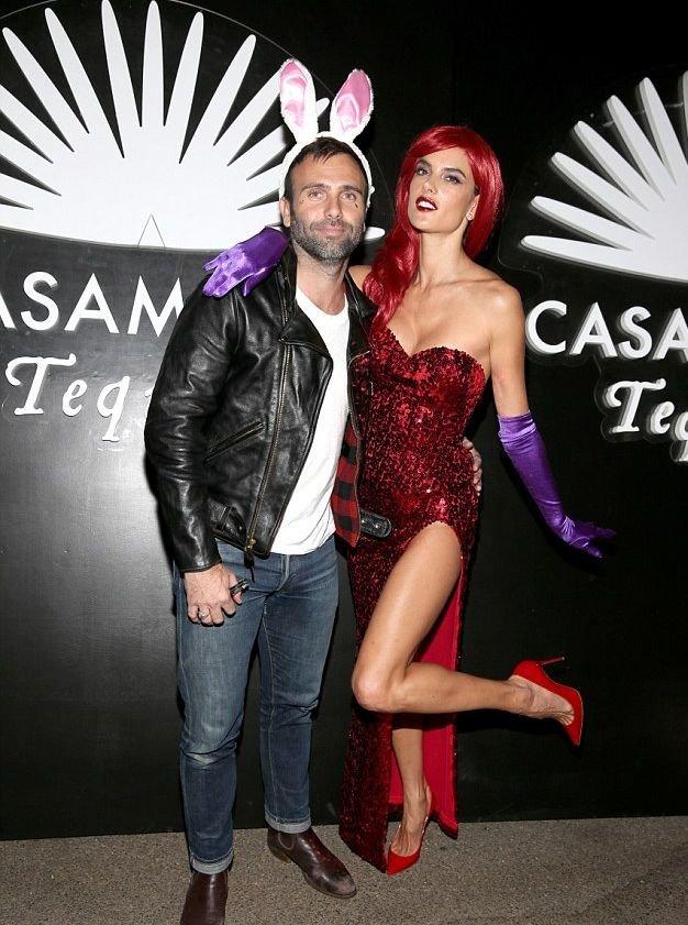 Alessandra Ambrosio Sexy (9 Photos + 2 Gifs)