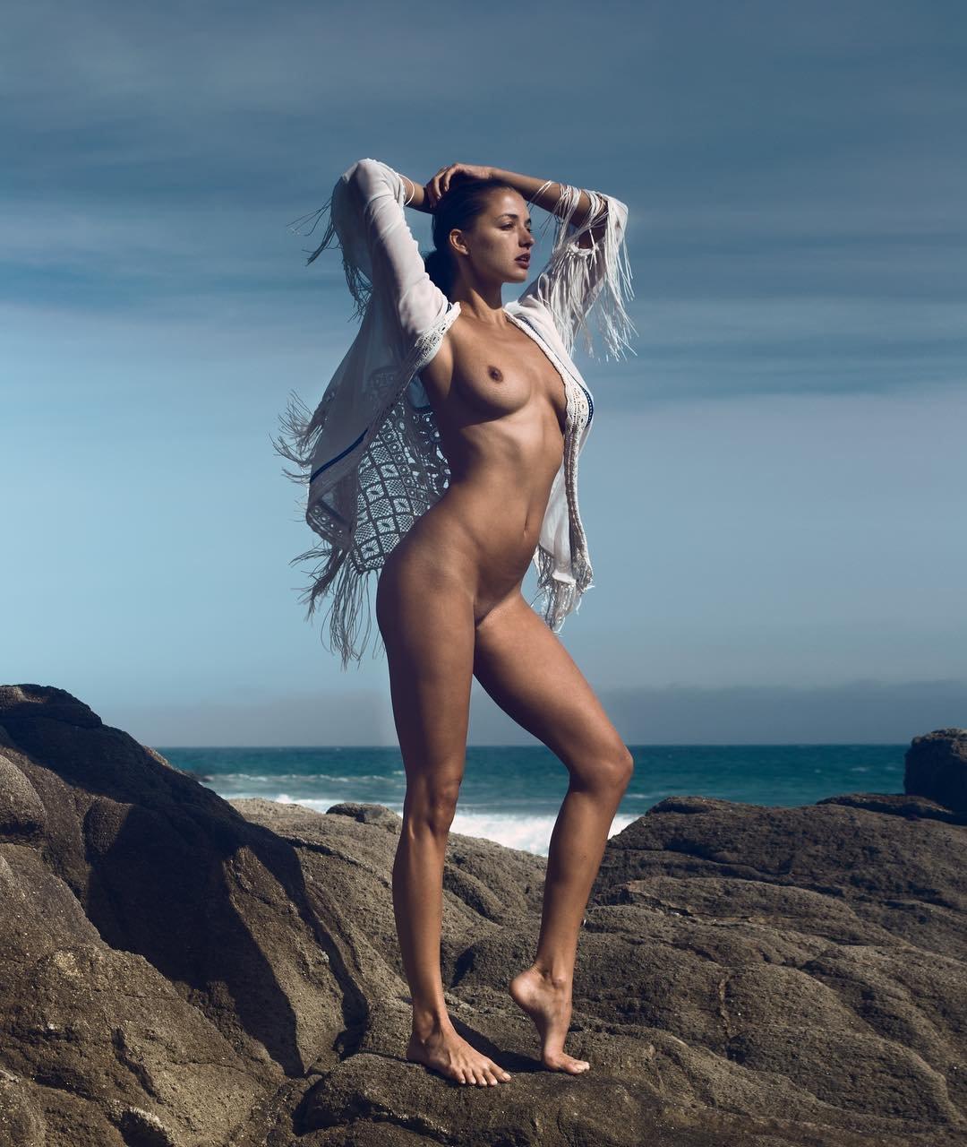 Alyssa Arce Desnuda alyssa arce topless | #thefappening