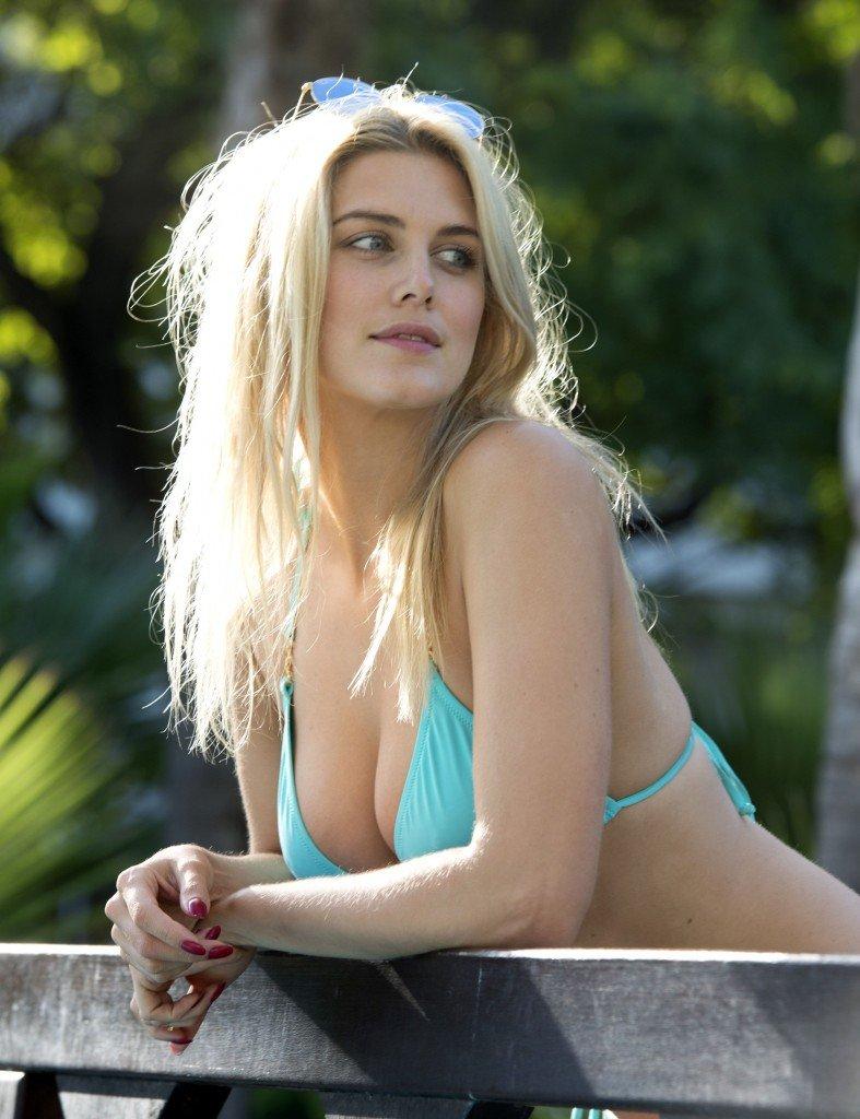 Laura ashley samuels - 3 5