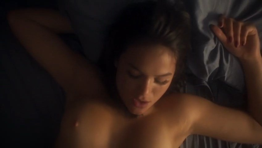 Elizabeth hurley nude boobs in the weight of water movie 9