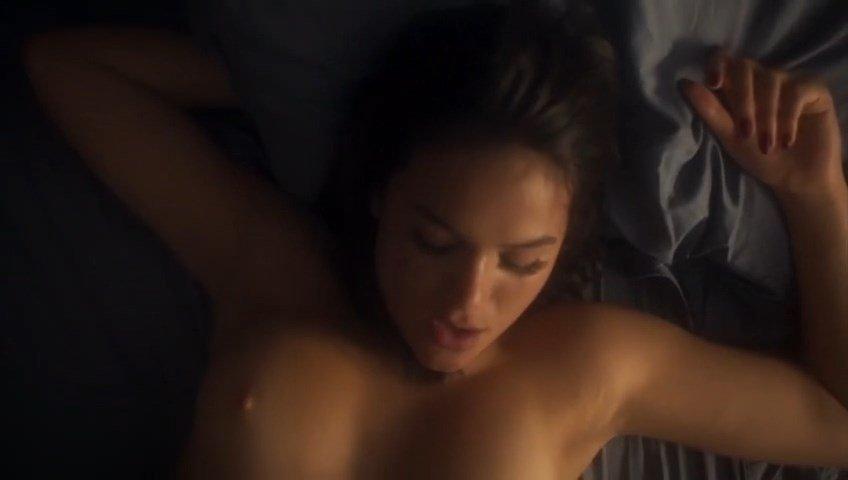 Bruna Marquezine Nude – Nada Será Como Antes (2016)