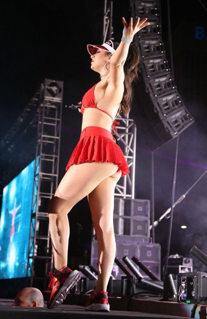 Charli-XCX-Sexy-35-666x1024.jpg