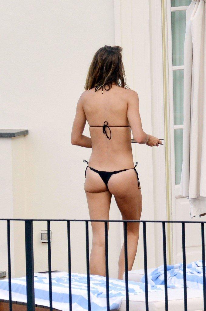 Gisele Bundchen Sexy (24 Photos)