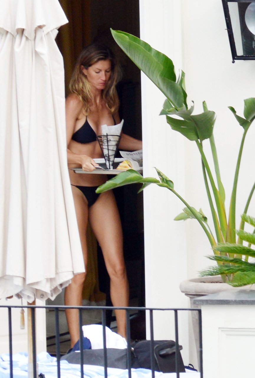 sexy and naked gisele