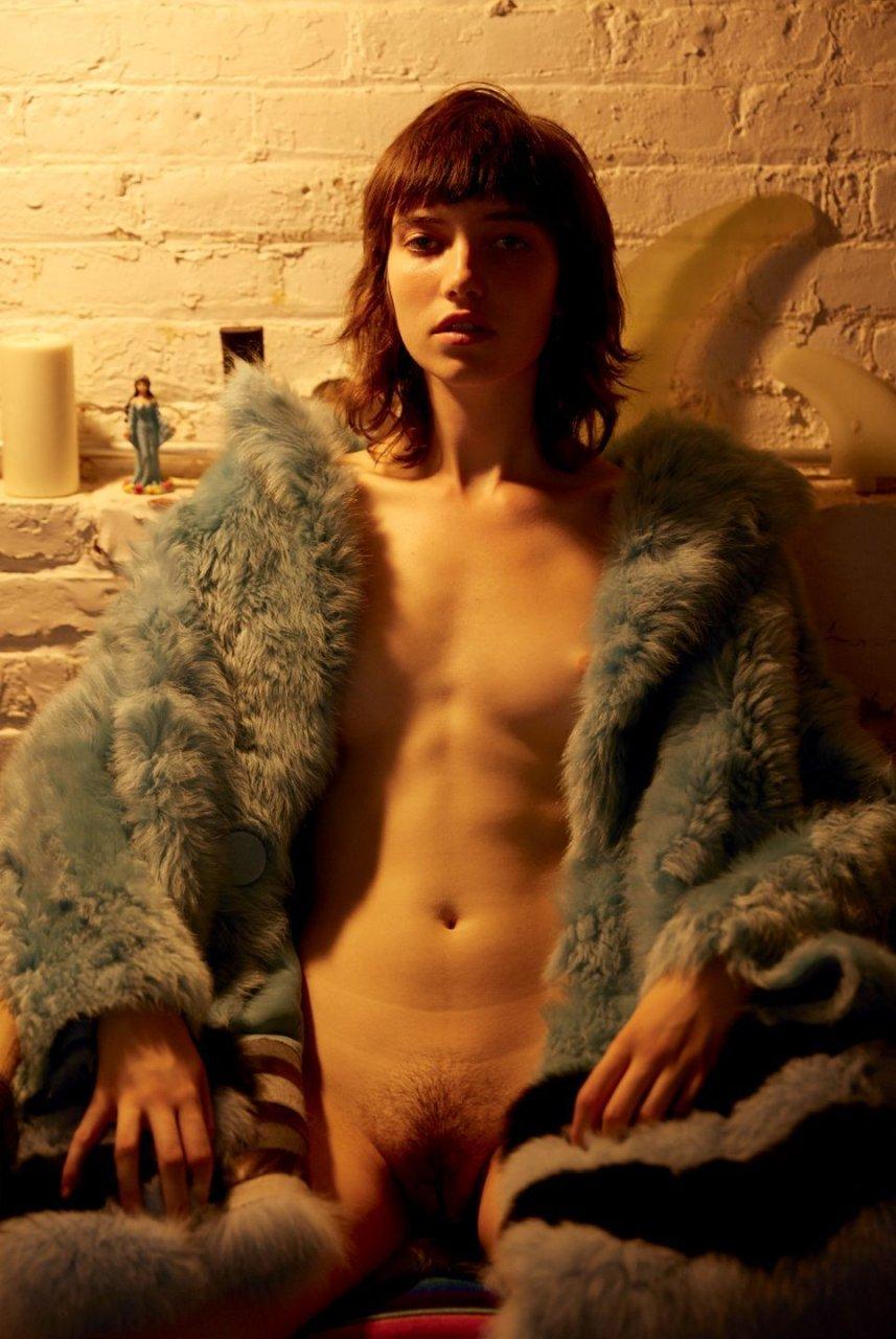 Grace Hartzel Nude - 7 Photos
