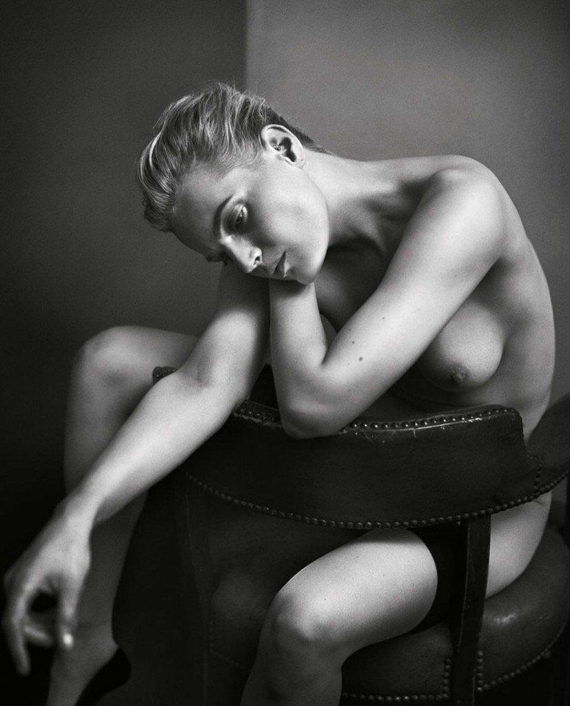 Guinevere Van Seenus Nude Sexy 13