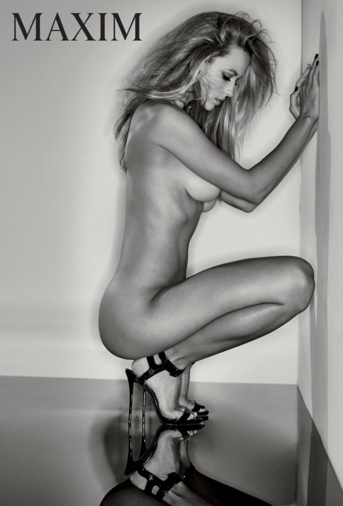 Hannah Ferguson Nude and Sexy 1