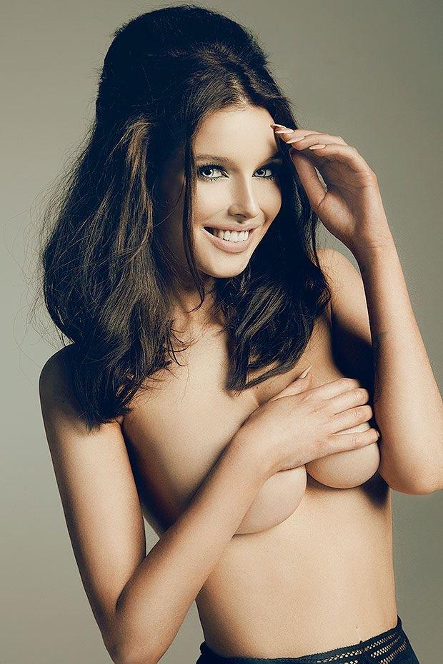 Helen Flanagan Topless (5 Photos)