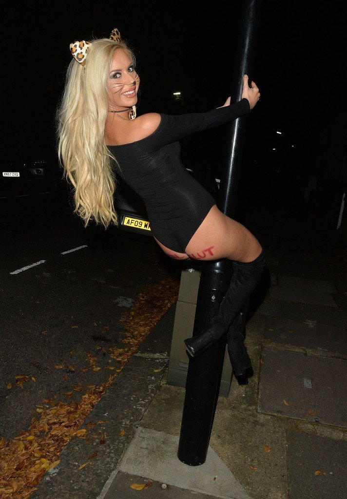Holly Rickwood Sexy (21 Photos)
