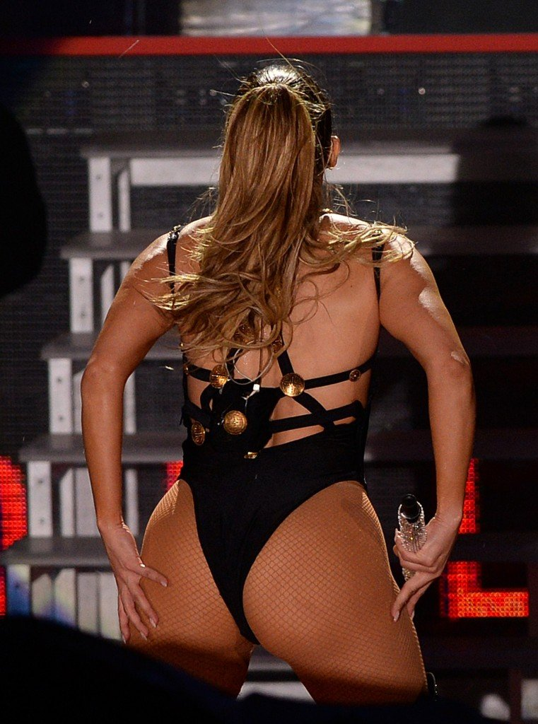 Jennifer lopez sexy dress pictures showing off her legs