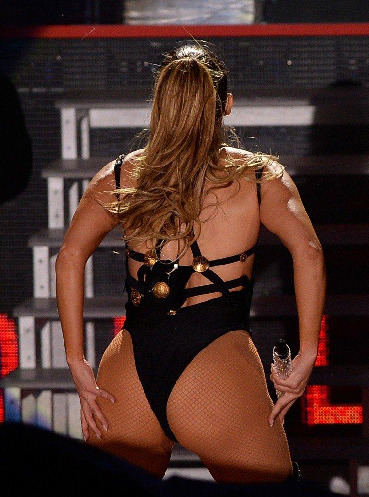 Jennifer lopez has revealed how she tones her butt