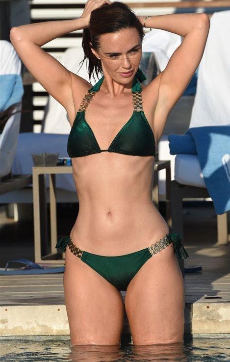Jennifer Metcalfe Topless Photos