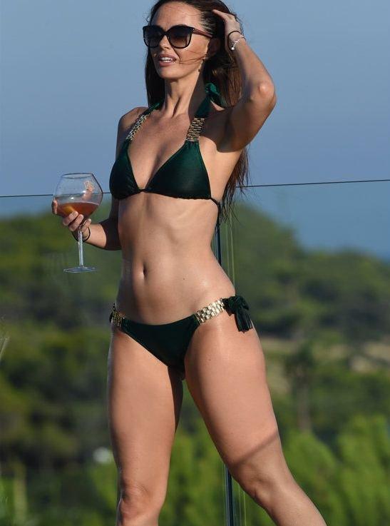 Jennifer Metcalfe Sexy New Pics 10