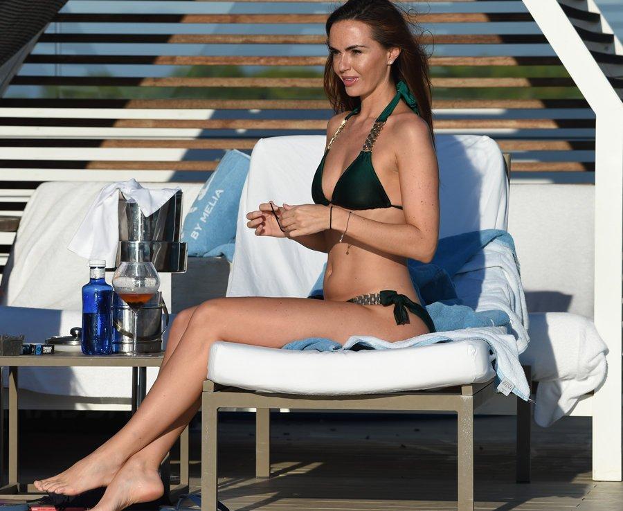 Jennifer Metcalfe Sexy New Pics 13