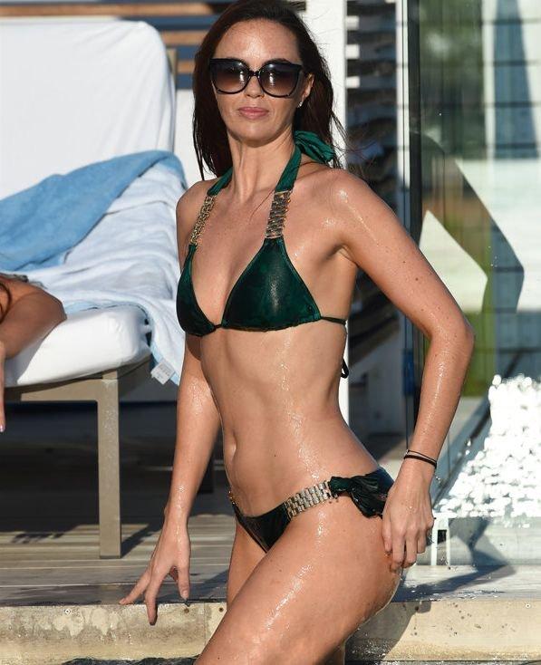 Jennifer Metcalfe Sexy New Pics 3